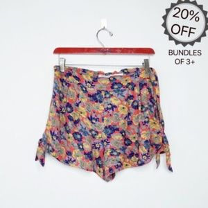 Kimchi Blue | Red Flowy Floral Shorts | M